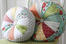 Pilows, Pilows, Pilows! / Patterns and Beautiful Pilows!