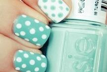 Beauty: Nails / by Elizabeth Nyberg