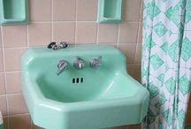 Bathrooms / by leizaelf
