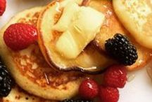 Healthier Breakfasts / Low carb or grain- free pancakes Egg creations, quiches and frittatas Quinoa or oats Hashes and scrambles