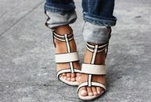 Shoes / by Auréa