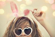 EASTER / Pasen komt er weer aan. Tijd om je kast vol te hangen  met de zachte kleurtjes. Naast geel mag roze en blauw ook niet ontbreken. Heb jij jouw paasoutfit al klaar?