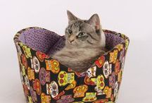 The Cat Ball Press Collection / This is a collection of press coverage for the Cat Ball® cat bed, Cat Canoe® cat bed and other products made by The Cat Ball, LLC. Use coupon code PIN10 to save 10% at TheCatBall.com.