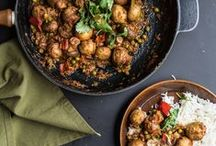 Vegan & Veggie Mushroom Recipes / I love mushrooms, so I couldn't wait to bring you the best vegetarian and vegan recipes featuring mushrooms. Tuck in!