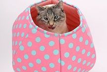 Fantastic Pink Finds / A collection of neat things that happen to be pink, with a heavy emphasis on cat art and products.