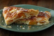 Turnovers / Who doesn't like a flakey turnover for breakfast.