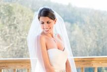 Cabin Wedding / Intimate cabin weddings around the Smoky Mountains