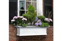 Railing Planters / Browse through our wide range of highly durable planter rails perfect for your balcony, deck or fence. Securely straddles on the railings of any home.