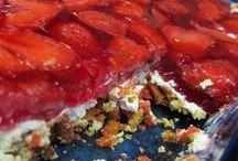 Easy Dessert Recipes / Easy Dessert Recipes / by Jamerrill Stewart