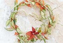 wreaths / feathers / nests