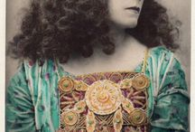 """Something about Sarah / Sarah Bernhardt was a French stage and early film actress. She was referred to as """"the most famous actress the world has ever known"""".  Born: October 22, 1844, Paris, France Died: March 26, 1923, Paris, France Spouse: Jacques Damala (m. 1882–1889)"""