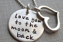 JeWeLRy: NeCKLaCes... / Many types of necklace ideas. / by Crystal Allison