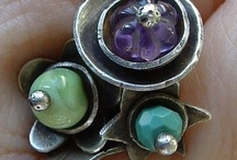 JeWeLRy: RiNGS... / Ideas for making rings. / by Crystal Allison