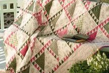COZY QUILTS / by Cheryl Foster
