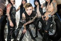 Black Veil Brides Army / A army of people who love BVB man Andy black is FIT AS FUCK xx