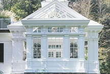 Green Houses & Sun Rooms / by Jeanee Allen