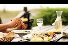 Europa - Portugal / Portugal ist ein europäischer Staat im Westen der Iberischen Halbinsel. Im Westen und Süden wird es vom Atlantischen Ozean, im Osten und Norden von Spanien begrenzt. Zum portugiesischen Staatsgebiet gehören die Inseln der Azoren und Madeira (mit Porto Santo). Westlich der Hauptstadt Lissabon liegt Cabo da Roca, der westlichste Punkt des europäischen Festlandes... Quelle: http://de.wikipedia.org/wiki/Portugal