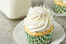 Homemade Cupcake Recipes / Homemade cupcake recipes that rock!  The best scratch cupcakes.