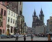 Europa - Tschechien / Tschechien ist ein Binnenstaat in Mitteleuropa mit rund 10,5 Millionen Einwohnern. Es setzt sich aus den historischen Ländern Böhmen (tschechisch Čechy) und Mähren (tschechisch Morava) sowie Teilen von Schlesien (tschechisch Slezsko) zusammen. Das Land grenzt im Westen an Deutschland, im Norden an Polen, im Osten an die Slowakei und im Süden an Österreich... Quelle: https://de.wikipedia.org/wiki/Tschechien