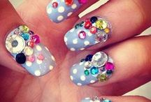 nails <3 / by Criostal Hennessy