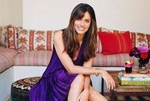 Amanda Peet at home