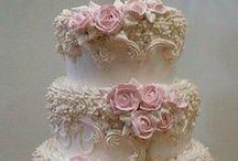 Yummy Decorator Cakes / Beautifully decorated cakes