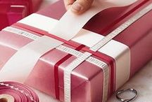 Gifts/Gift Wrapping / by Lisa McNair