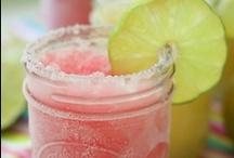 Yummy Drinks! / by Felicia Farnham
