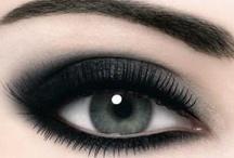 Make up / by Vero G.V.