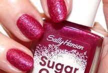 Textured Nails / Sand, Caviar, lace, 3-d nail art. / by CutexUS