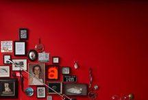 Un Mondo Rosso / Valorizza i toni neutri, esalta i dettagli, dà personalità e carattere alla casa: è il #rosso, #colore della passione, ma anche dell'eleganza. Vedere per credere... Appassionati di decorazione, sotto con il fai da te! #leroymerlinita #red