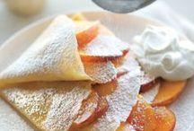 Desserts/Sweet Treats / by Bonnie Dodson