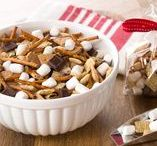SNACK RECIPES / Snacking on marshmallows in between meals will make your day fabulous. No, really. It will!!