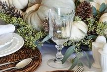 Thanksgiving Tablescapes / Beautiful, autumnal and festive fall decor and Thanksgiving tablescape ideas and inspiration for your big family dinner or friendsgiving.