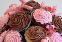 cakes, cupcakes, & cookies / by Leslie