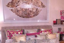 Pillow & Cushion / Decorative pillows, cushions, puffy-comfy stuff