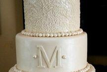 wedding cakes / by Meagan Goodliffe