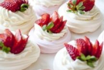 Meringues with Fruit / Ideas for your Meringue nests !
