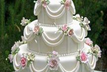 Cakes / by Britt van den Arend