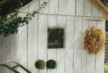 Garden Shed / little house for pots and tools