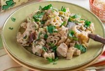 """St. Patrick's Day Pasta / A collection of """"lucky"""" recipes because everyone is Irish on St. Patrick's Day. Also cute Shamrock shaped pasta products."""