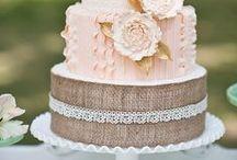 Glamorous Cakes / by Paloma Blanca