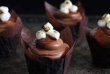 Cupcakes / by Jessica Nevala