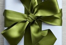 Wrap gifts too cute! / by Jil Manuel