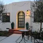 Alcazar Court Bungalows - Vacation rentals / San Diego, California vacation rentals www.alcazarcourt.com  Welcome to Alcazar Court in the heart of San Diego - where everyone is welcome! Five 1924 bungalow vacation rentals with vintage and modern touches .