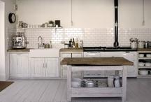 Kitchen / Realistisia ja pähkähulluja keittiöideoita. Katille huojennukseksi sanottakoon että steampunk kiehtoo ja huvittaa, mutta en oikeasti haaveile sentyylisestä keittiöstä uuteen kotiin.