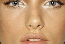 Make up / by Ana Teixeira