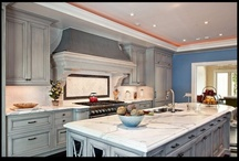 Great Kitchens / Beautiful kitchens featuring natural stone tile, flooring and countertops.  Product include granite, travertine, marble, onyx, limestone and quartzite. #MarbleOfTheWorld  #KitchenCountertops #kitchen