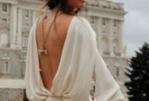 Style: Backless + Décolletage