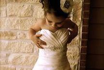 WEDDING - Dress / ウェディングドレスの最新トレンドと、ヴェール、ジュエリー、靴のデザインもご紹介します。